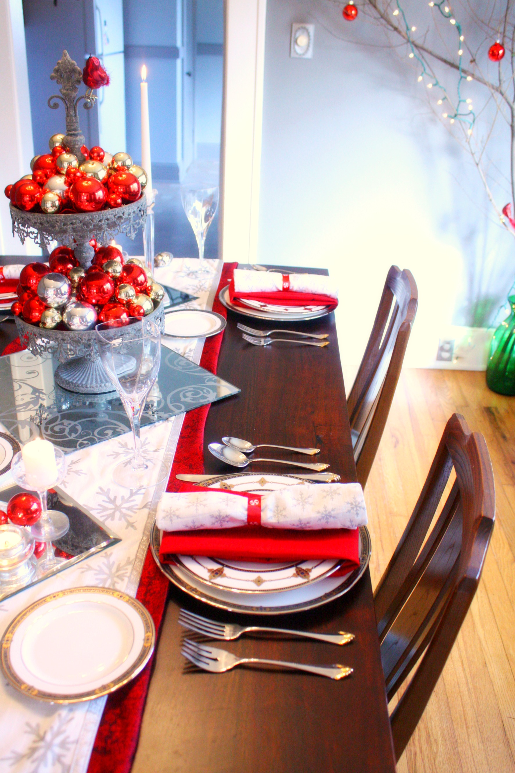 Dining Room Centerpiece Ideas Red Amp Silver Christmas Table Setting Craft Thyme