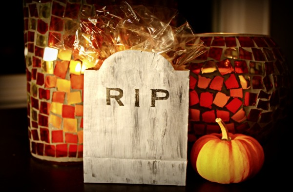DIY Halloween Treat Bags in the shape of Gravestones