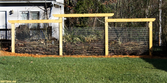 Finally an alternative to compost bin plans! Detailed instructions on how to make your own composting fence.