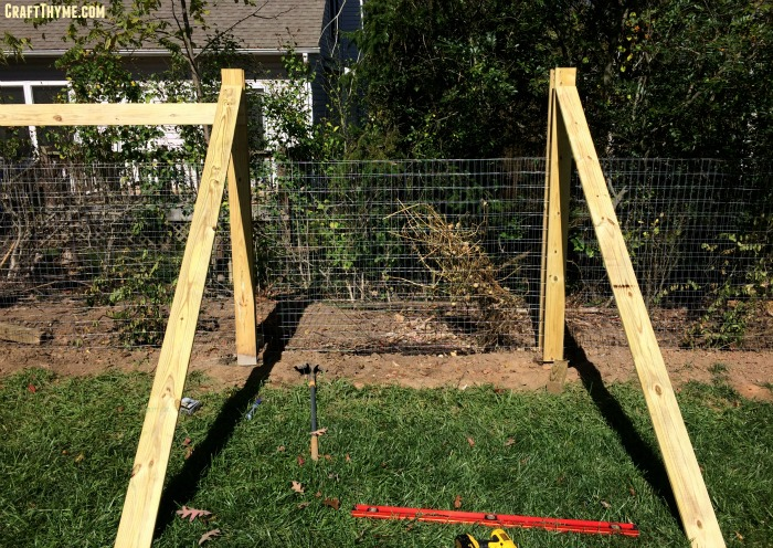 Learn to make your own compost and bin detailed directions on making a compost fence.