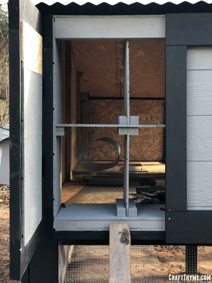 Modular nesting boxes for easy cleaning